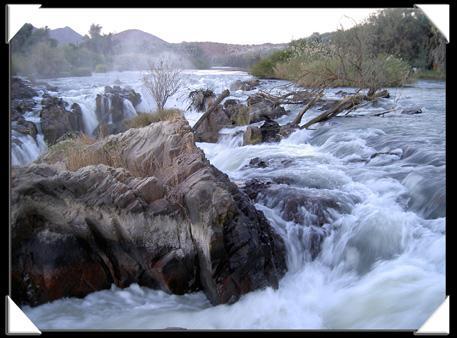 chute d'eau des epupa