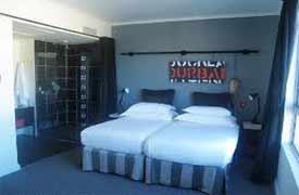 Docklands Hotel